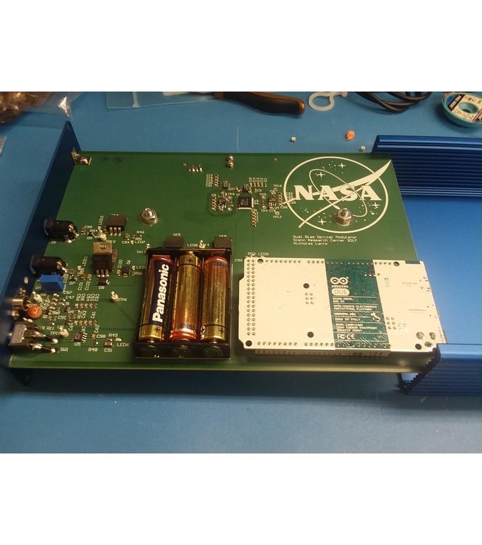 FIG. 1: A modulator/controller circuit board of the Cascaded Offset Optical Modulator