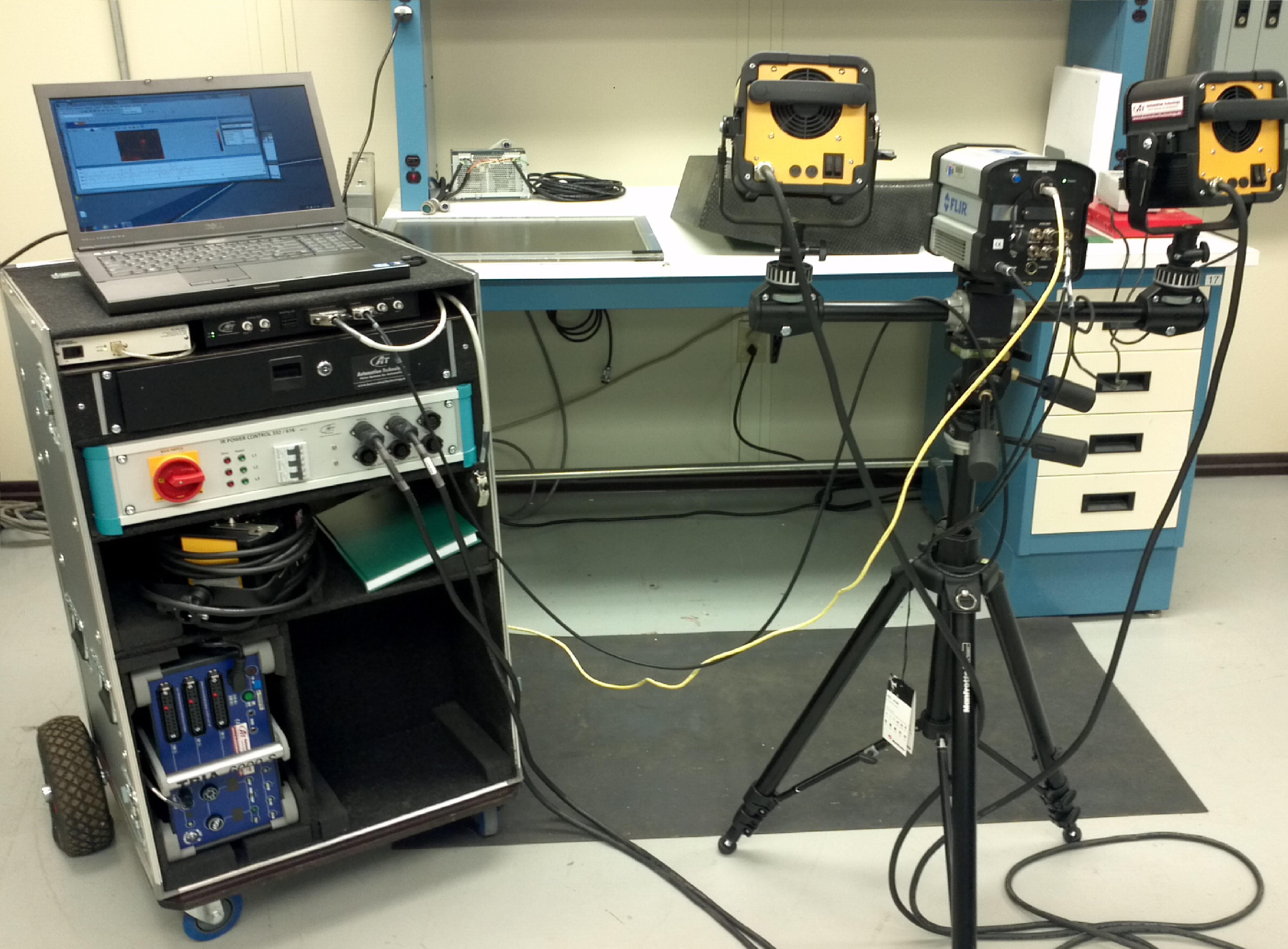 Non-Destructive Evaluation Flash Thermography Setup